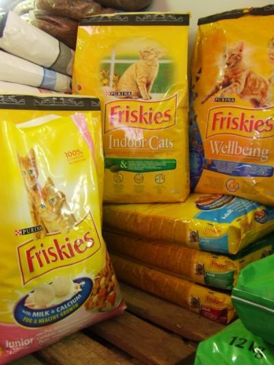 Friskies 1 kg Saját kiszerelésben Indoor